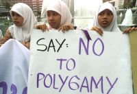 http://bilikml.files.wordpress.com/2010/11/polygamy.jpg?w=200&h=150